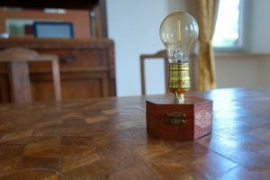 TimeBulb-wireless-dinner-table-lamp-battery-light-vintage-hipster-artedco-twenties-furniture-design-style-retro-hexagonal-edison-bulb-03