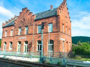bahnhofgamburg-ferienwohnung-holidayrental-urlaub-mit-hund-wuerzburg-würzburg-aschaffenburg-rothenburg-ob-der-tauber-liebliches-taubertal-franken-franconia-luxus-luxury-guenstig-billig-cheap-wertheim-village-tauberbischofsheim-airbnb-traum-ferienwohnungen-125
