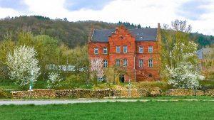 bahnhofgamburg-ferienwohnung-holidayrental-urlaub-mit-hund-wuerzburg-würzburg-aschaffenburg-rothenburg-ob-der-tauber-liebliches-taubertal-franken-franconia-luxus-luxury-guenstig-billig-cheap-wertheim-village-tauberbischofsheim-airbnb-traum-ferienwohnungen-241
